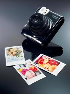 Instax Mini 50s avec des photos